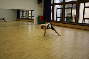 20. Tim zeigt viel Koennen beim Contemporary Dance